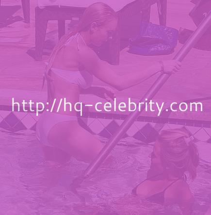 Recent bikini pictures of Lindsay Lohan