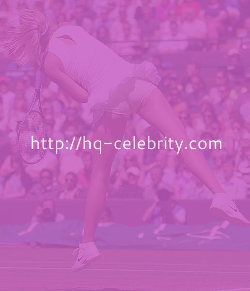 Maria Sharapova on the tennis court