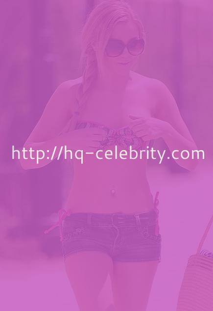 Melissa Reeves heats up Marbella, Spain