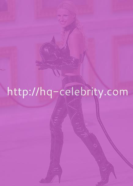 Michelle Hunziker dressed as Catwoman?