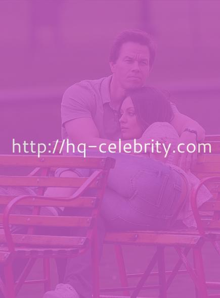 tn mila kunis 5 Mila Kunis and Mark Wahlberg cuddle