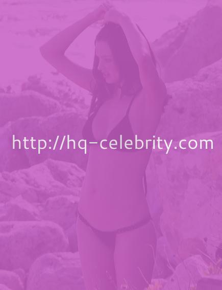Miranda Kerr shows off her post baby body