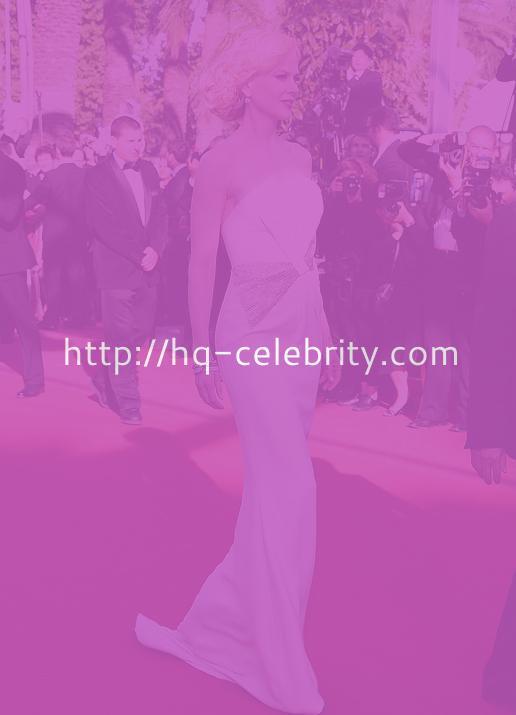 Nicole Kidman Looks Like A Pretty Porcelain Doll