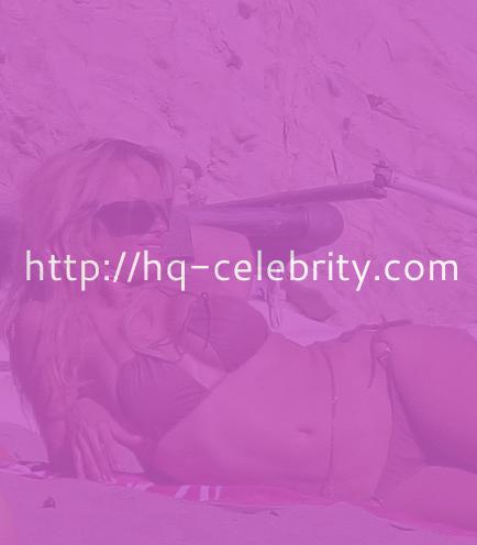 Pamela Anderson butt crack