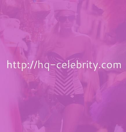 Paris Hilton gets ready for Halloween