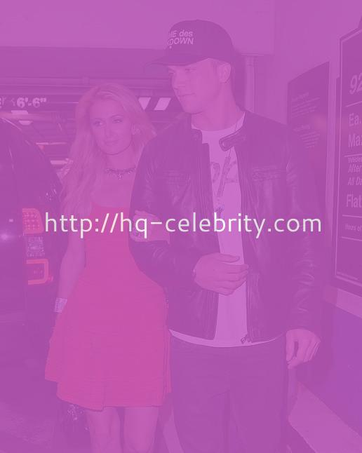 Paris Hilton Out With Her Man In LA
