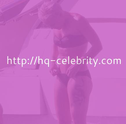 Pink flaunts her buff body