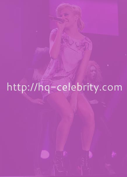 The most recent performance pics of Pixie Lott