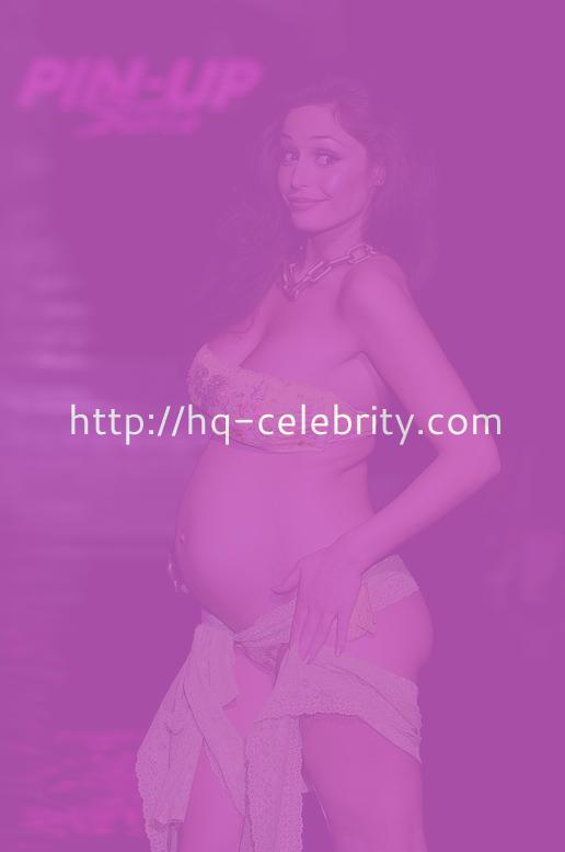 A Very Pregnant Raffaella Fico On The Runway In Milan