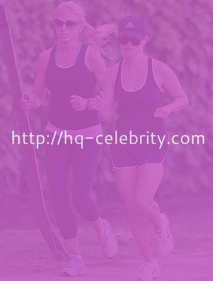 tn reese witherspoon 2 Reese Witherspoon goes jogging