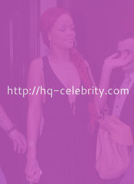 Rihanna shocks with a pretty normal dress