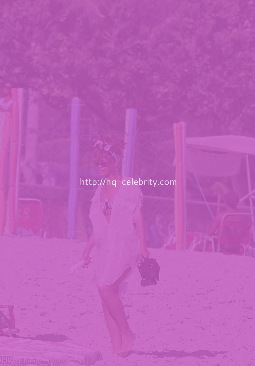 Hot bikini ass shots of Rihanna in Rio