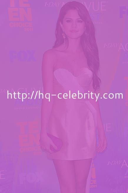 Selena Gomez at the 2011 Teen Choice Awards