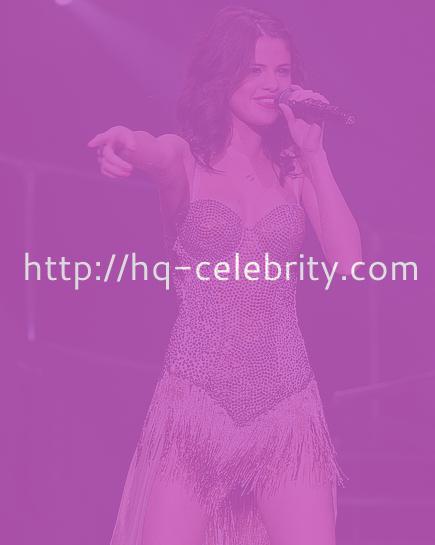 Selena Gomez gets sexy