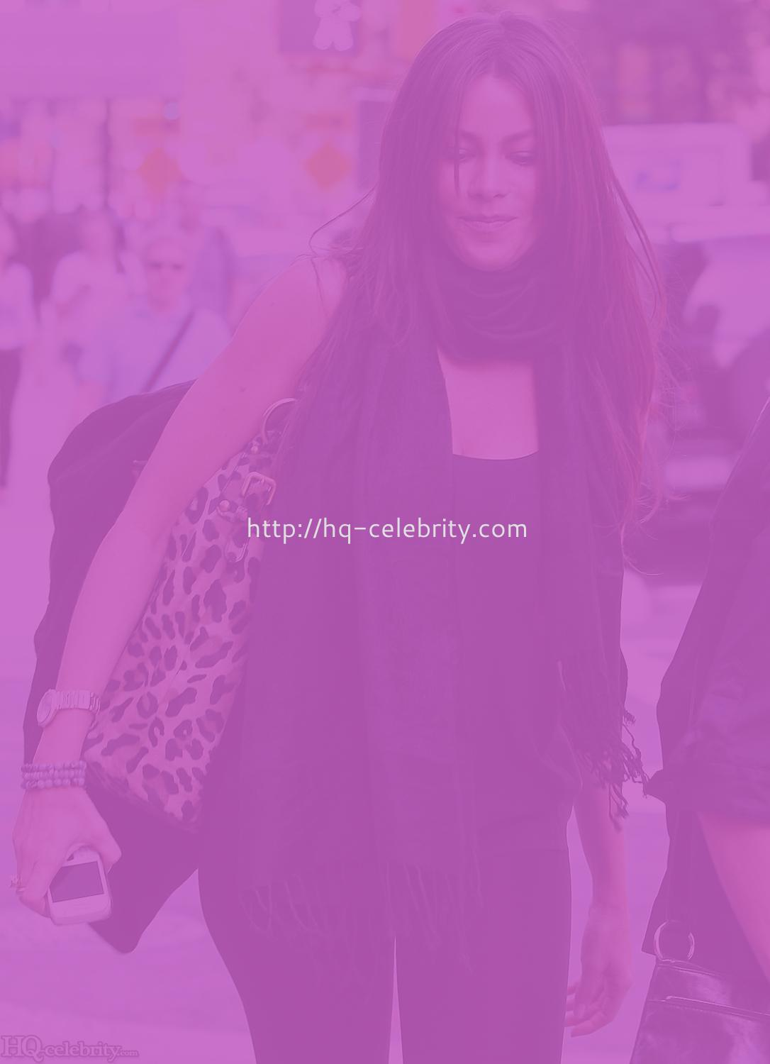 Celebrity Pictures - Photo Gallery - Contactmusic.com