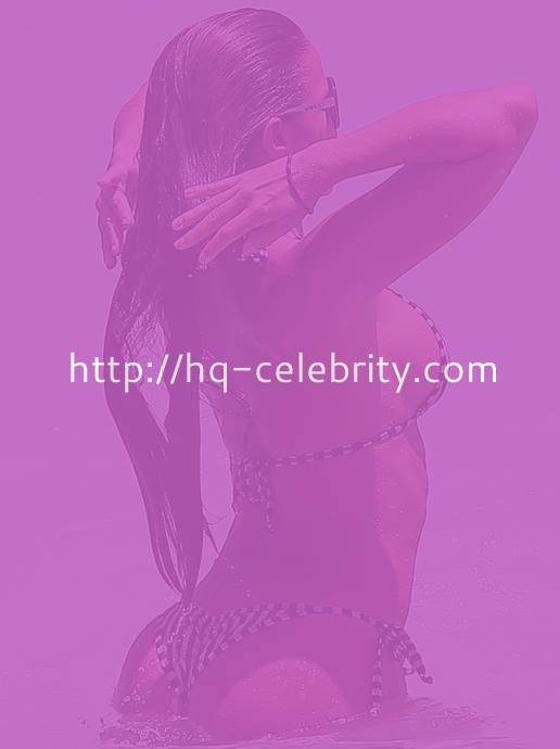 More Sexy Bikini Shots Of Vida Guerra