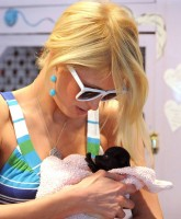 Paris Hilton still living la vida loca