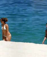 Kate Beckinsales Bikini by the Beach