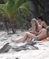 Britney Spears bikini pictures in Costa Rica