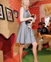 Ivanka Trump shows Sexy Knees and dog