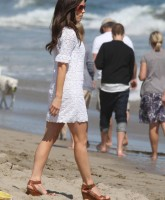Kate Beckinsale and Family at the Beach