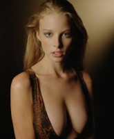 Fiery Rachel Nichols goes topless