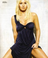 Elisha Cuthbert is daddys little girl