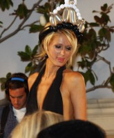 Paris Hiltons neckline Plunges Down