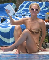 Sarah Harding shows essentials at pool