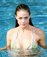 Denise Richards in sexy bikinis