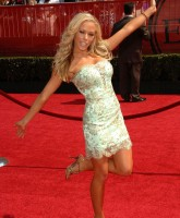 Kendra Wilkinson shining at ESPY