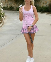 Kendra Wilkinsons sexiest skirt ever