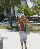 Brooke Hogan ass