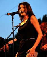 Teri Hatcher at concert