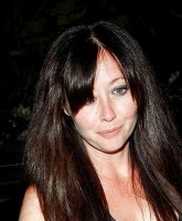 Shannen Doherty looks casually stunning