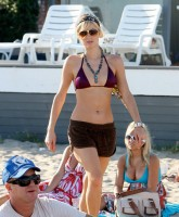 Paris Hilton Beach 18.jpg
