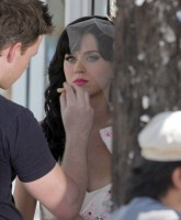 Katy Perrys wedding dress for Hot and Cold