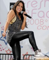 Vanessa Hudgens performing