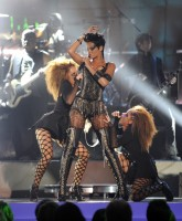 Rihannas fishnets at MTV VMA 2008