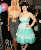 Victoria Silvstedt glamming up Fashion Week