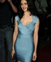 Rachel Weisz has perfect body