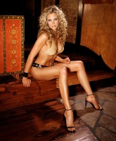 Brooke Burns shows body