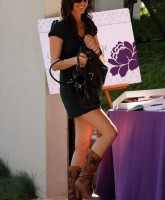 Shannon Elizabeth in boots