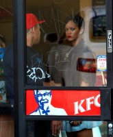 Rihanna getting KFC food