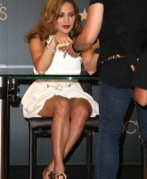 Jennifer Lopez launches Deseo For Men