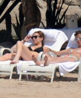 Lindsay Lohan & Samantha Ronson bikini photos Part 2