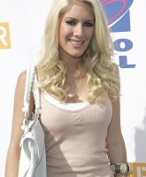 Heidi Montag eating at World Hunger Relief event