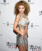 AnnaLynne McCord wearing sexy pirate costume.