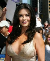 Catherine Zeta Jones -  Letterman Show 13.jpg