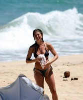 Jennifer Aniston does some Erotic Surfing